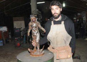 Hurda heykel sergisi Ataşehir'de