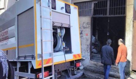 Dükkanı yanan esnafa Ataşehir Belediyesi'nden destek