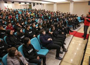 Ataşehir'de Öğrenciler Depreme Karşı Bilinçleniyor